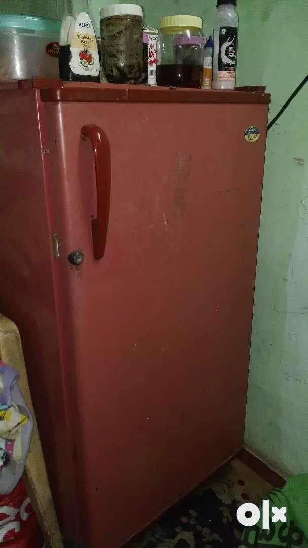 In working condition 170 litr no maintainance godrej fridge 0