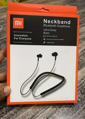 Mi bluetooth wireless headphone earphone brand new