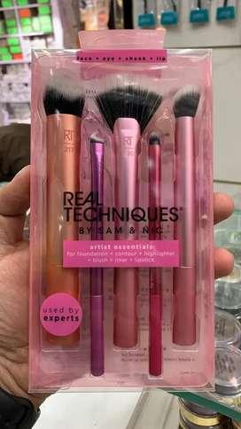 Real Technique Makeup brushes wholesale se bhi sasta/Double sponge 690