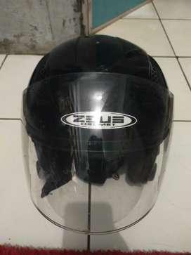 Helm Zeus ukuran XL