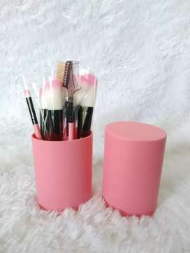 Make up brush 12 set in tube/ kuas rias make up 12 set - Merah Muda