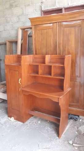 Meja belajar bahan kayu jati