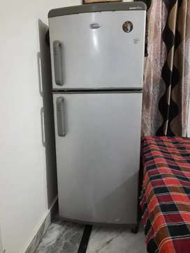 Whirlpool double door freeze for seel good condition