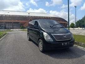 Dijual cepat mobil hyundai H-1 tahun 2012 diesel