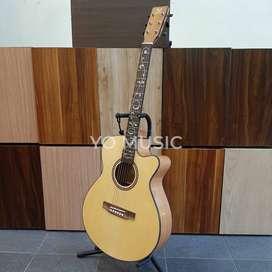 Guitar Acoustic Wing AS C40C0 Original Import (Free case & Pick)