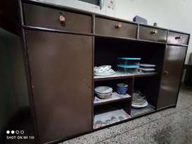 Crockery side board