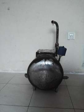 Steel water tanky with automatic switch