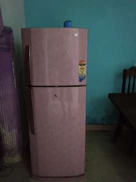 LG refrigerator in excellent condition