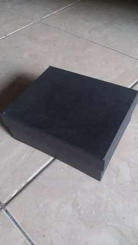 Kotak kado, gift box