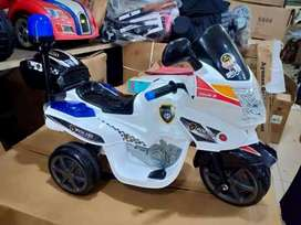 Motor aki polisi anak