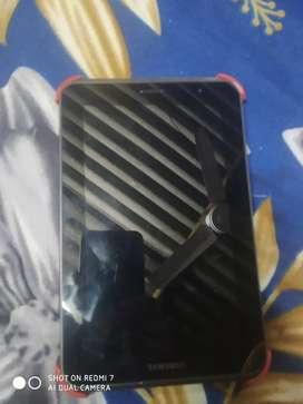 Samsung tab bilkul new hai jada use nhi kia. With charger hai