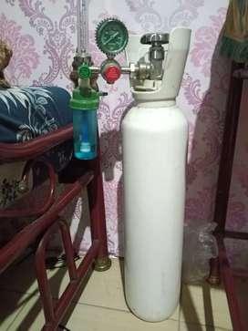 Tabung Oksigen & Regulator