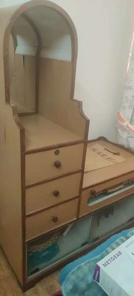 TV unit with crockery display