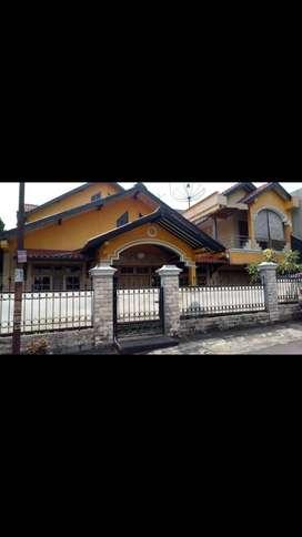 Rumah dijual 2 lantai (harga bisa nego)