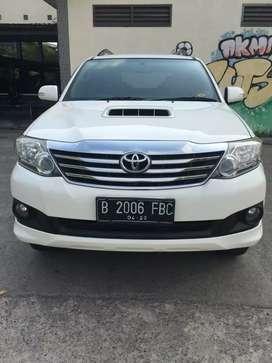 Jual Toyota Fortuner 2.5 G. Automatic. Tahun 2013. Putih
