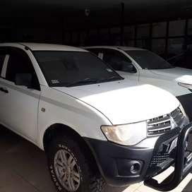 Dijual Mitsubishi Triton Double Cabin 2013 Kondisi Ready