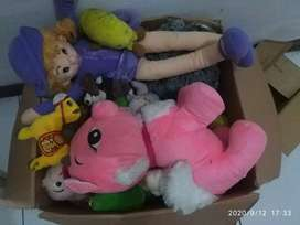 Boneka macam-macam