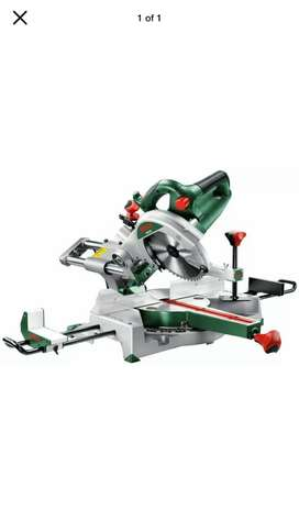 Saw with Sliding Mitre