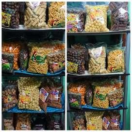 Original Snack merk Chiki, Milo, Cheetos,Oishi dll
