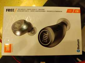 JBL Free X Truly wireless in ear headphones (black) Original With bill