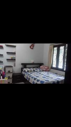 Room on rent only for ladies