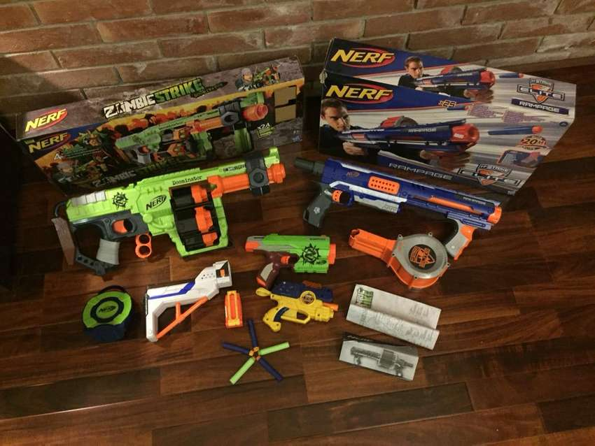 Nerf guns and attacments 0