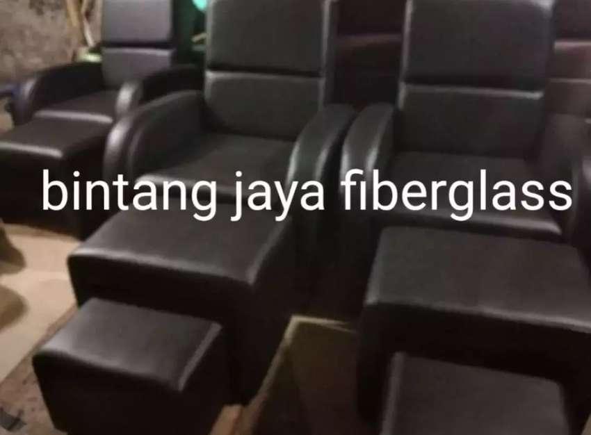 Kursi refleksi hitam atau sofa pijat 0