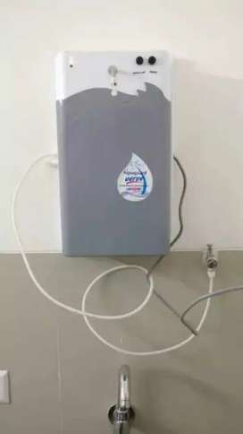 Aquaguard water purifier available for immediate sale