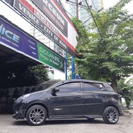 velg movil hustler r16 jazz agya city avanza yaris bisa kredit venice