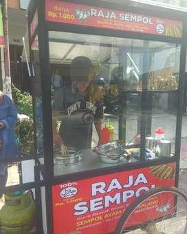 Dicari staff penjaga stand Sempol Ayam