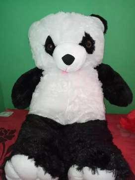 Boneka panda ukuran besar