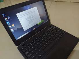 Laptop Acer Travelmate SSD