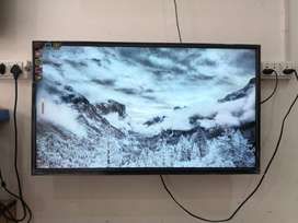 Enjoy rich quality of 40 inch ips panel LED TV with latest pcs