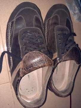 Sepatu Hush Puppies kulit rare item size 43/44