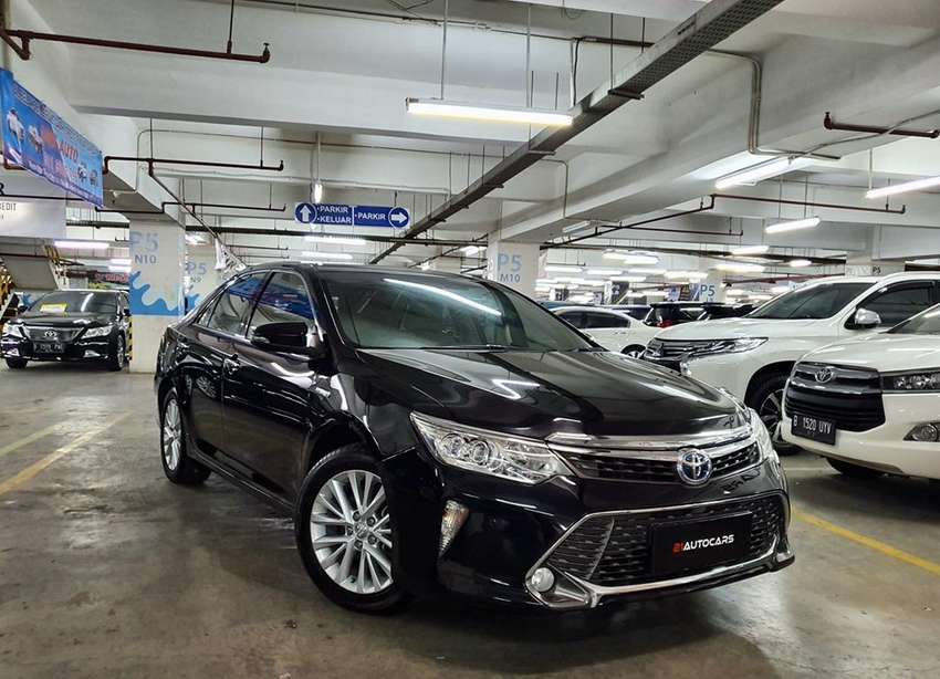 Toyota Camry Hybrid 2.5 L AT 2016 0