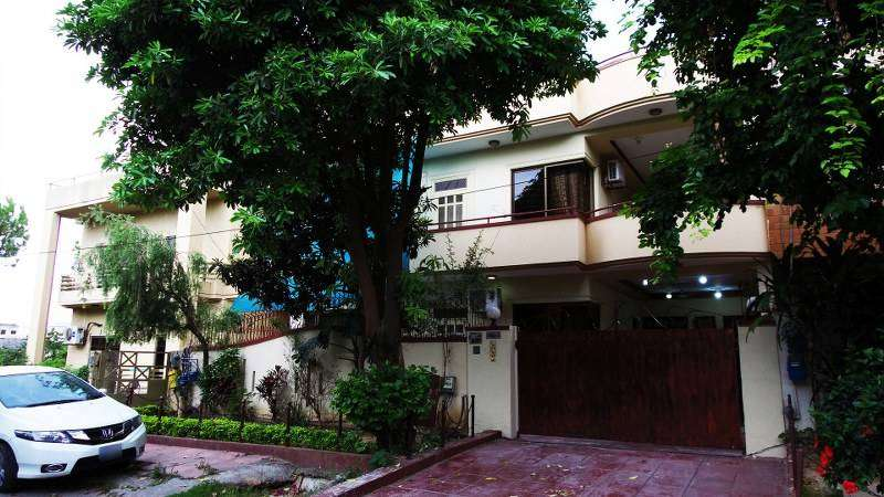 Luxurious 14Marla Home Central Location Of CDA Sector I-8/3 Islamabad 0