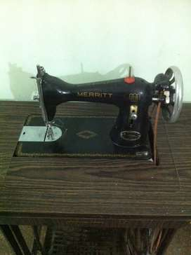 Vintage Singer Merritt sewing machine