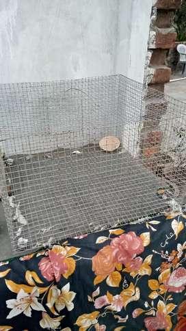 चिड़िया ,तोता, मुर्गी  रखने का जाली का पिंजरा