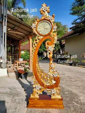 Jam hias ukiran mewah motif ukiran moderen,bahan kayu jati asli 100%