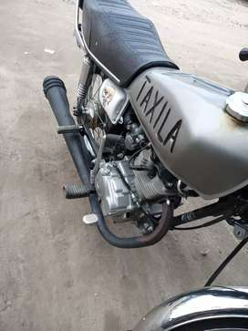 One hand use good condition and honda125 2019 model