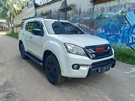Isuzu mu-x mux 2016 / 2017 at matic diesel solar bs tt fortuner