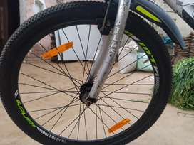 Good condition brand new alivils nd tyre