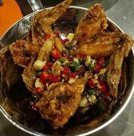 Yuk di order chicken wings nya 1 porsi ada 4 ayam,rasanya enak