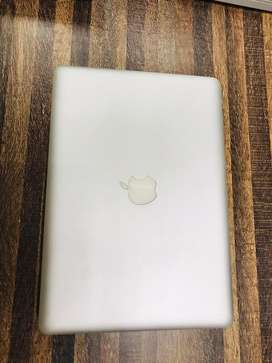 Apple macbook pro i7