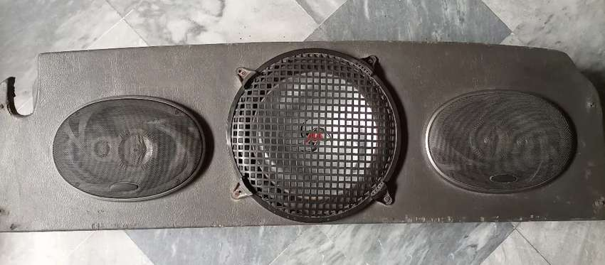 Car woofer and speakers 0