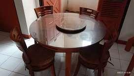Meja makan klasik ,kayu jati