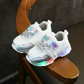 BB104-white Sepatu Sneakers Anak Imut Lampu LED