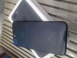 Ip 7plus 128Gb with box charger for sale