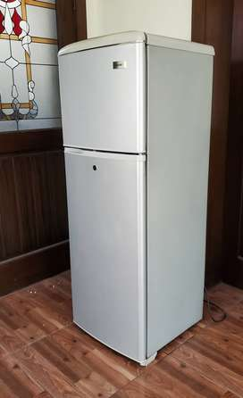 Heir fridge 6 cubic feet / 170 ltr (excellent working condition)