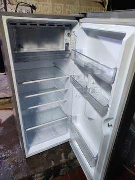 Haier fridge 195 litre for rent ke liye uplabdh hai